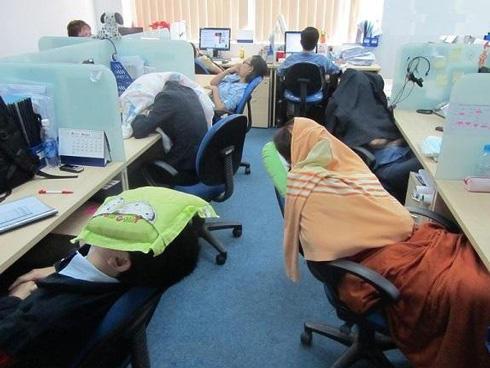 Dormir no trabalho